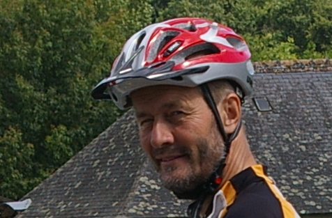 Mark cycling in the Loire region, 2007