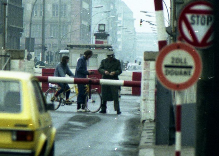 Tandem Checkpoint Charlie