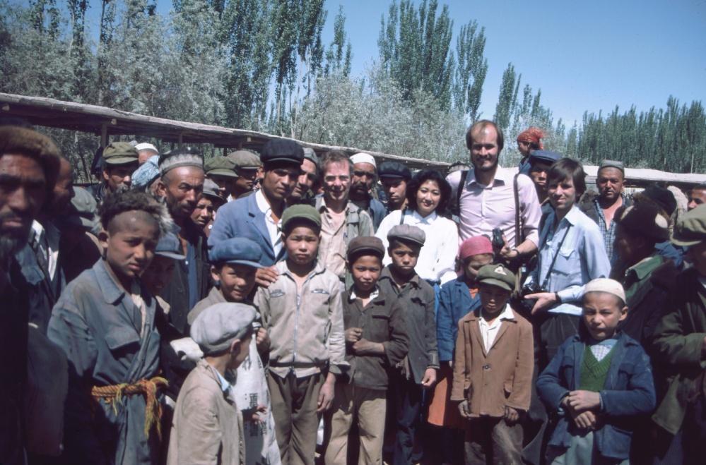 Earnshaw, Pringles and MLB in Kashgar market