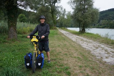 Spot on the Austrian Danube where I camped in April 2008 solo cycling to Budapest. It was a LOT wetter then, and raining solidly as the Danube lapped at the door of the tent...