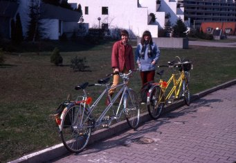 Irmgard and Jutta (pregnant with Christopher) in Berlin with our two tandems, 1980